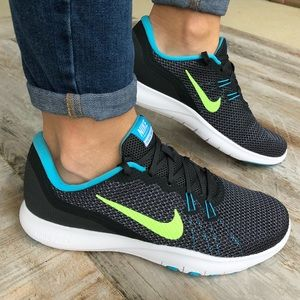🌎Nike Trainer  🌎New 🌎Price firm